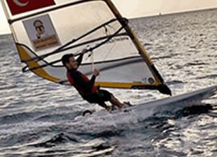 Rüzgar sörfü Türkiye Şampiyonu Pamir Saçkan Miami'de düzenlenen North American Championship ve Isaf Saılıng World Cup'ı tamamladı