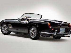1961 model klasik Ferrari, rekor fiyata satıldı