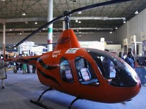İran yerli helikopterini görücüye çıkarıyor