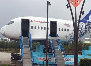 AnadoluJet'in Flyride simülasyon uçağı İzmir'de