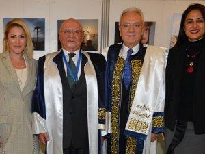 Duayen denizci Lucien Arkas'a doktora ödülü verildi