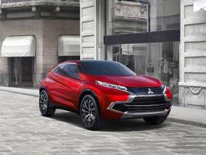 Mitsubishi'den yeni hibrit crossover
