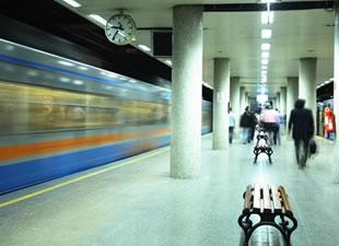 Metro seferleri durdu