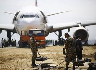 Halatlarla THY uçağı kurtarma operasyonu