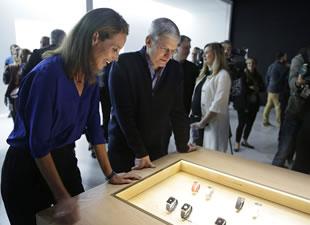 Apple'ın akıllı saati Apple Watch tanıtıldı