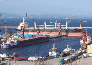 Çelebi Bandırma Limanı'na 172 kazık çakıldı