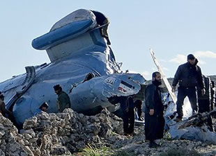 Suriye ordusuna ait helikoper düştü!