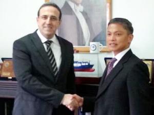 IMO Genel Sekreter Adayı Filipinli Maximo Q. Mejia JR, Özkan Poyraz'ı makamında ziyaret etti