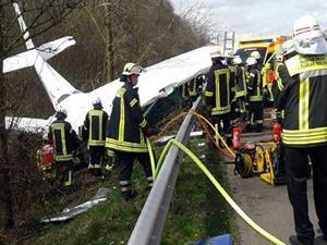 Almanya'da Cessna tipi uçak düştü; 2 Ölü 2 Yaralı