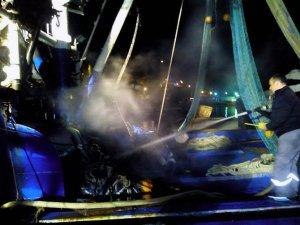 Rumeli Feneri'nde tekne yandı