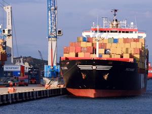 Aliağa'da konteyner elleçlemede artış