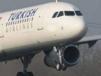 THY uçağının camı çatladı