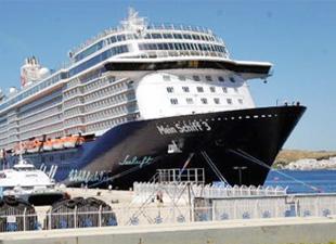 Mein Schiff 3, 30 bin turist getirecek