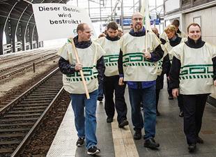 Demiryolu grevinde devam kararı alındı