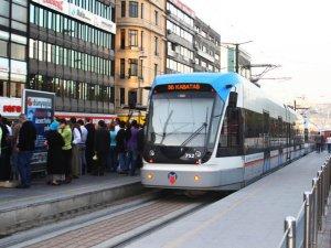 İstanbul trafiğine çözüm raylı sistem
