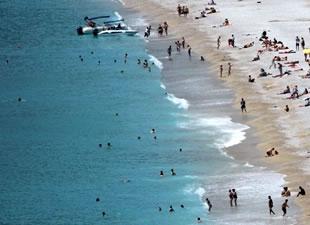 Ege sahillerinde turist yoğunluğu