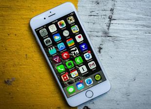 iPhone'a Türkiye'de zam üstüne zam