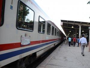 Kurtalan-Malatya Demiryolu'nda ilaçlama çalışması