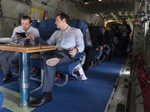 Çipras, nakliye uçağıyla Avrupa Birliği zirvesine uçtu