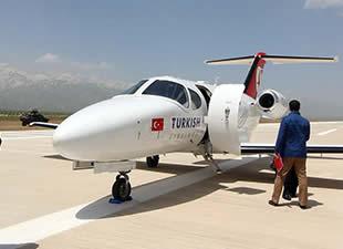 Yüksekova'ya ilk uçak indi