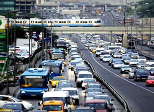İstanbullu arabayı garajda bırakacak