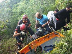 Tekirdağ'da ormana düşen paraşütçü kurtarıldı
