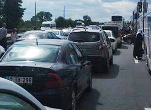 TEM'de kaza... İstanbul yönü kapandı