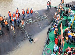 Gemi faciasında 377 kişiye hala ulaşılamadı