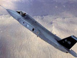 F-35 test uçuşunda bombasını bıraktı