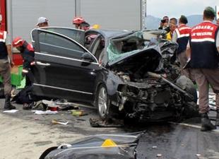 Otomobil, TIR ile çarpıştı: 1'i çocuk 5 ölü