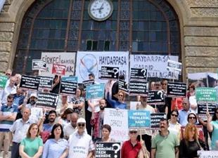 Haydarpaşa Gar'ında tren seferi protestosu