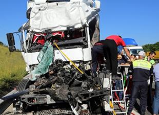 TEM'de TIR kazası: 1 ölü