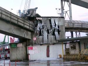 Rotaport limanındaki yangını Med Marin'in römorkörleri söndürdü