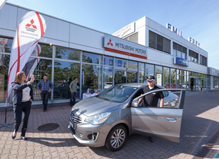 Mitsubishi Attrage'dan tasarruf rekoru; İsviçre-Macaristan arasını sadece bir depo benzinle gitti