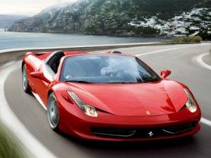 Ferrari'ye üst üste ödül