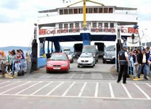Bozcaada'dan dönüş rezervasyonu tatilciyi rahatlattı