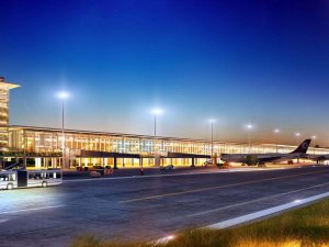 Çukurova Havalimanı'nda belirsizlik sürüyor