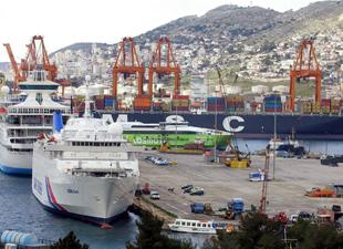 Yunanistan'da limanlar, otoyollar ve havalimanları özelleşecek