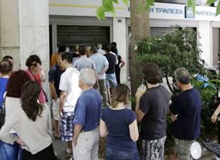 Yunanistan'da bankalar 3 hafta aradan sonra açılıyor