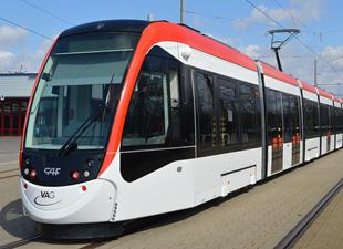 Freiburg yeni tramvayına kavuştu