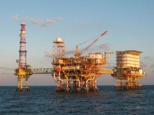 Petrol devinin 2.7 milyon varillik petrolü kayıp