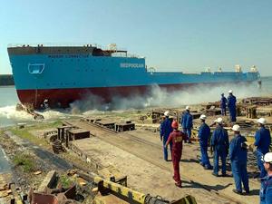 Damen Tersanesi, Maersk Connector'u denize indirdi