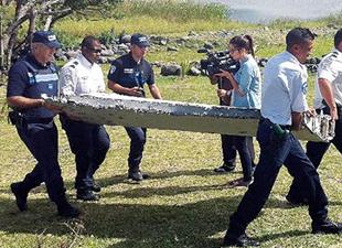 'Bulunan enkaz kayıp Malezya uçağına ait' iddiası