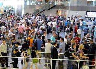 Havalimanları rekor kırıyor ama yolcular su bile içmeden gidiyor