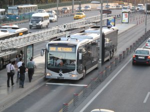Metrobüslerde şarj dönem!