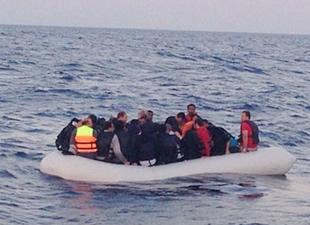 Çeşme'de 148 Suriyeli kaçak kurtarıldı