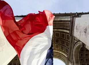 Fransa ekonomisi yerinde saydı
