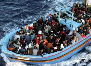 'Korsanlar' Ege denizinde mültecileri soyuyor!