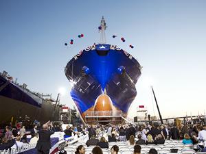 LNG yakıtlı ilk konteyner gemisi TOTE 2 denize indirilecek