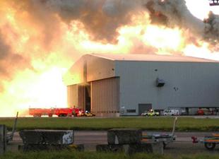 Dublin Havalimanı'nda yangın paniği